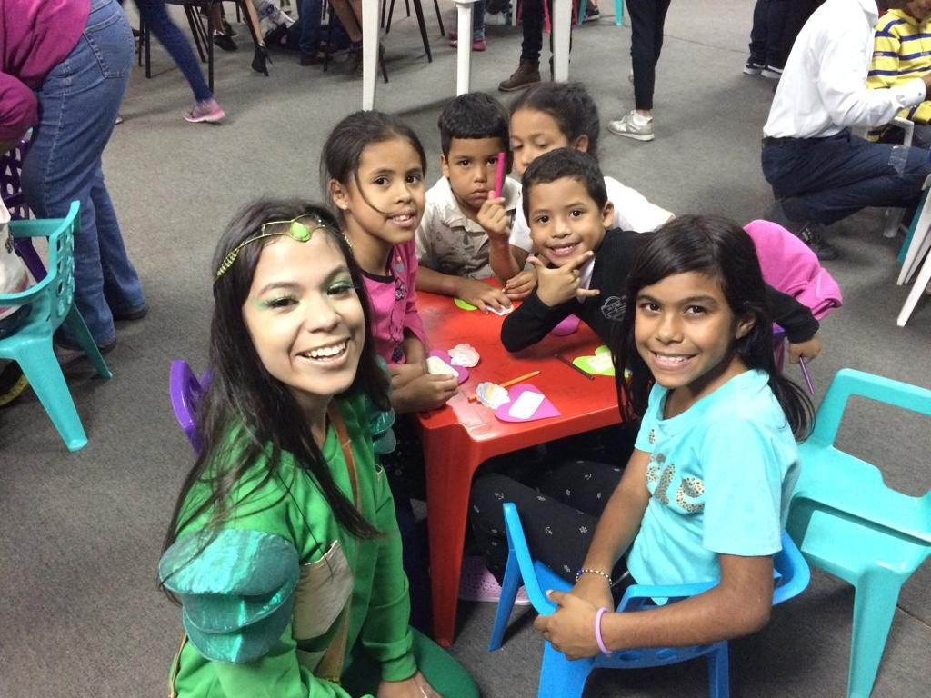 """Actividad de Jezzrel """"Regando la semilla"""" en La California, de Caracas – Venezuela. Agosto 2019."""